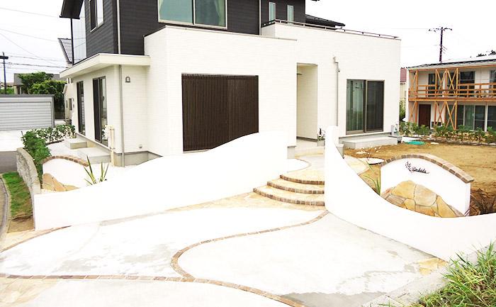 住まいの大きさ、庭の幅と奥行きとのバランスを考慮